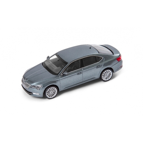 SKODA mudel Superb 1:43 (metal grey)