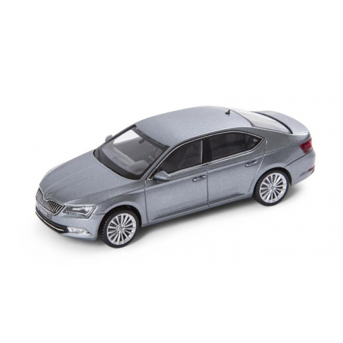 SKODA mudel Superb 1:43 (business grey)