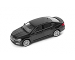 SKODA mudel Superb 1:43 (black magic)